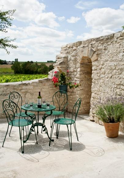 Lower patio - photo courtesy of framedimage.co.uk